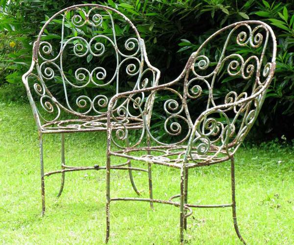 Gardenchairs600.jpg
