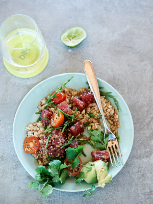300Avocado and tuna poke, brown rice, cherry tomatoes and sea asparagus_Photographer Mikkel Vang_edited-1.jpg