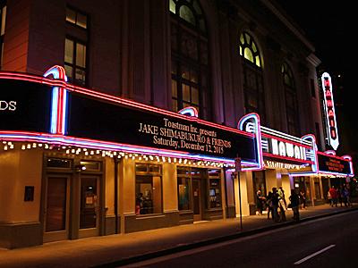 Jake_Shimabukuro_Concert1-400.jpg