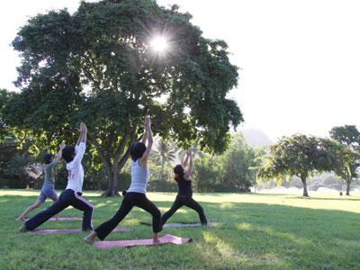 mo_yoga_2.jpg