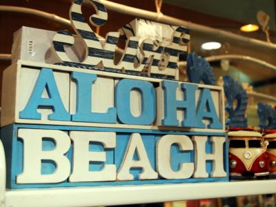 Aloha Beach400×300.jpg