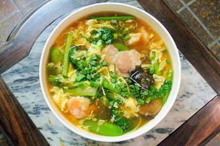 特製タン麺