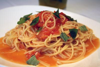 トマトとバジルのポモドーロ