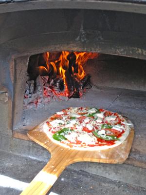 300_Bonfire pizza Company_1.jpg
