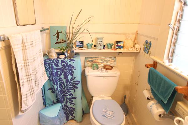 12-restroom.jpg