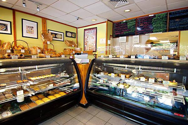 マノア・マーケット・プレイスで近隣のロコが通うパン屋さん