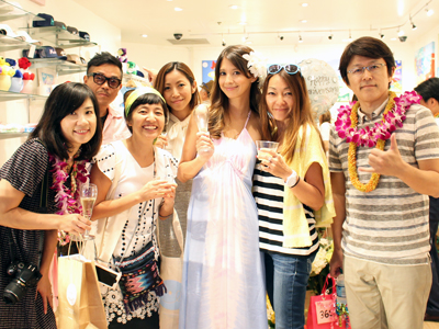 AlohaStreet_leanoguchi_opening_400.jpg