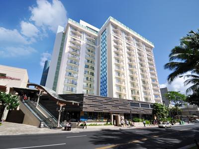 Hokulani_Waikiki_Ext_s400.jpg