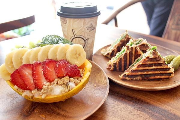 Cafe831Dec1.jpg