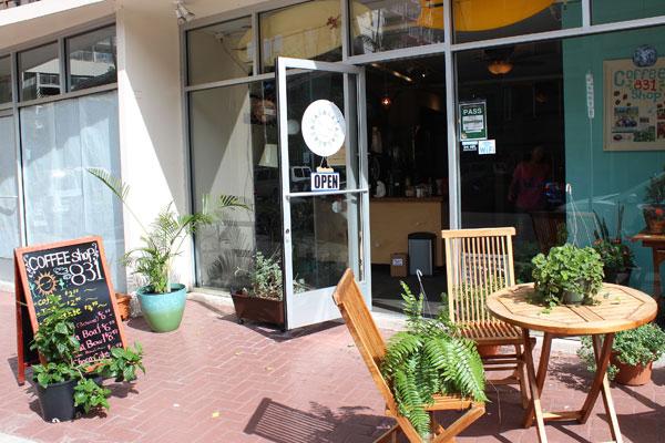 Cafe831Dec3.jpg