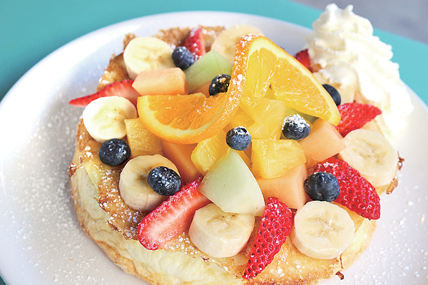 35-4_AlohaKitchen_Fruits_600.jpg