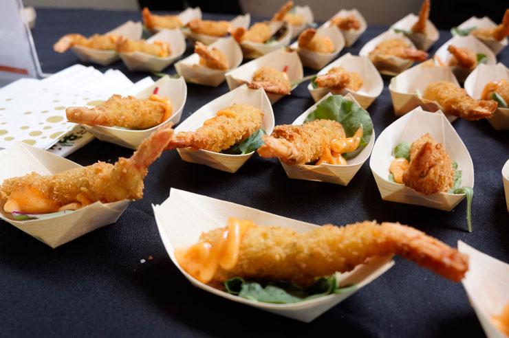 カクスシ&シーフード・ビュッフェのてんぷら(こちらはビュッフェ・スタイルのレストランのため、イベント価格は適用されません)