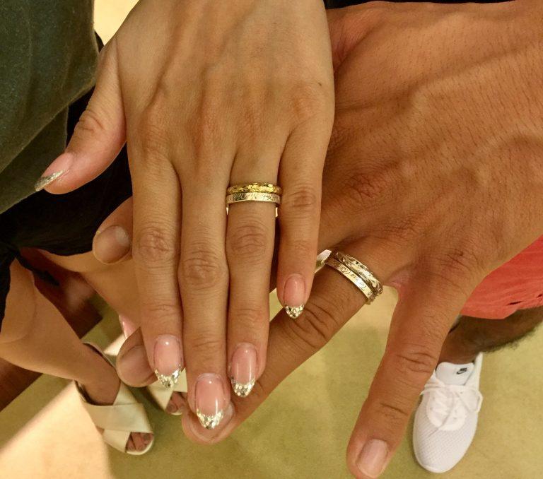 ご結婚指輪に重ねて楽しむハワイアンジュエリーリング