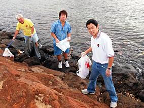 ハワイのビーチに恩返し!お掃除大作戦
