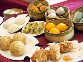 テレビでお馴染みの人気中華料理人が登場