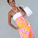 カイルアのふる新しいドレスにメロメロ