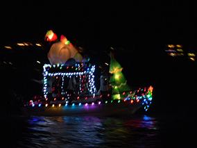 ハワイカイの豪邸から、ボートパレード見学