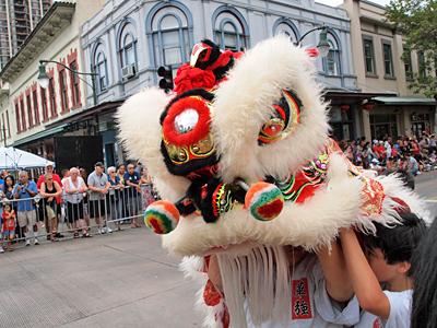 旧正月をチャイナタウンで盛大に祝う