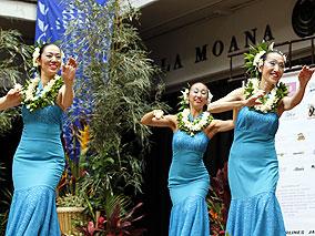 日ごろの練習の成果を本場ハワイでお披露目