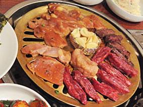 24時間営業の韓国レストランで焼き肉!