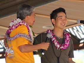ハワイの夏空に響いたジェイクのウクレレ