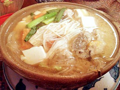 大粒ぷりぷり牡蠣の味噌鍋ランチで大満足