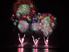 祭りのクライマックスはパレード&長岡花火