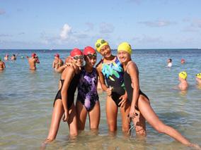 青く美しいハワイの海で泳いでみよう!