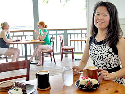 カイルア・コナの海を臨むこだわり新カフェ【デイライト・マインド・コーヒー】