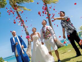 日本でドレス選びもOK!ハワイ挙式のプロ