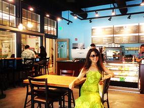 ハワイでは珍しいコロニアル調のレストラン【カイ コーヒー, カフェ・ジュリア】
