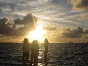 天国の海で感動のサンライズを体験