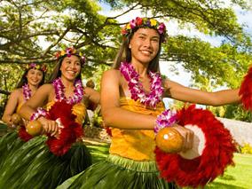 ポリネシアの森でフラの祭典が開催