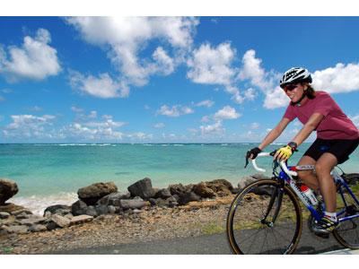 自転車レースでオアフ島の魅力を探索