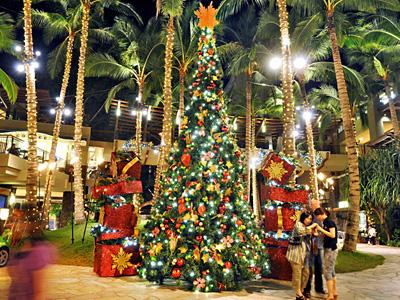 ロイヤル・ハワイアンの大ツリー点灯式