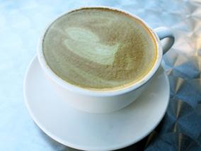 人気のゴリラカフェにこだわり抹茶ラテ登場