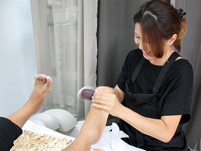 巻き爪、外反母趾…足の悩み解決サロン登場