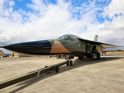 航空博物館にオーストラリアの戦闘機が到着