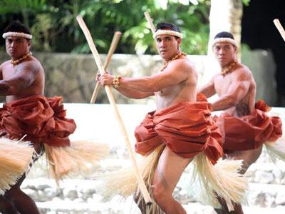 ポリネシア村のイベントでフラを堪能
