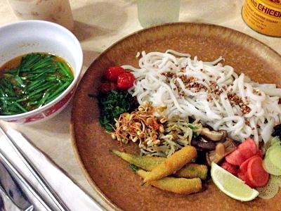 チャイナタウンで話題の新ベトナム料理店