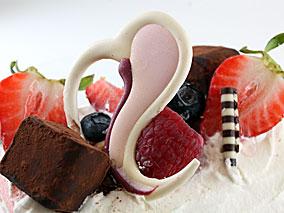 2月のクルクルはピンク色のラブラブケーキ