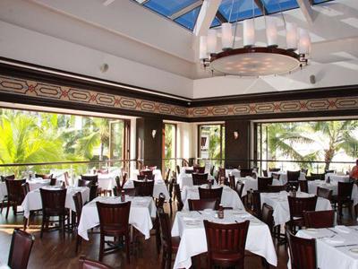 イースターはハワイの人気レストランで