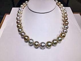 真珠の新作ジュエリーでエレガントに