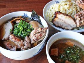 武骨ラーメンの麺屋武蔵がアラモアナに進出