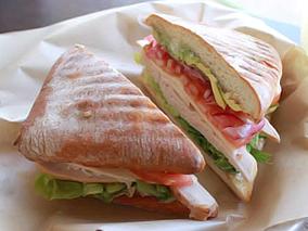 絶品サンドイッチ店がハレイワに上陸