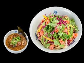 カレー&冷製サラダつけ麺はじめました