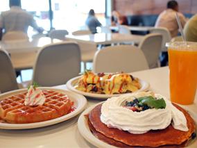 週末はロコでいっぱいの人気店がカフェ開店