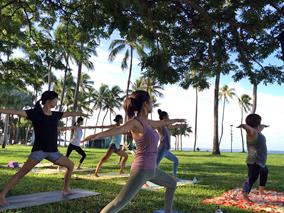 朝からハワイを満喫!ビーチヨガ体験