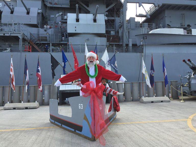 サンタが戦艦ミズーリにやってくる!!