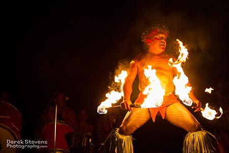 ハワイの伝統的宴とショーを楽しもう